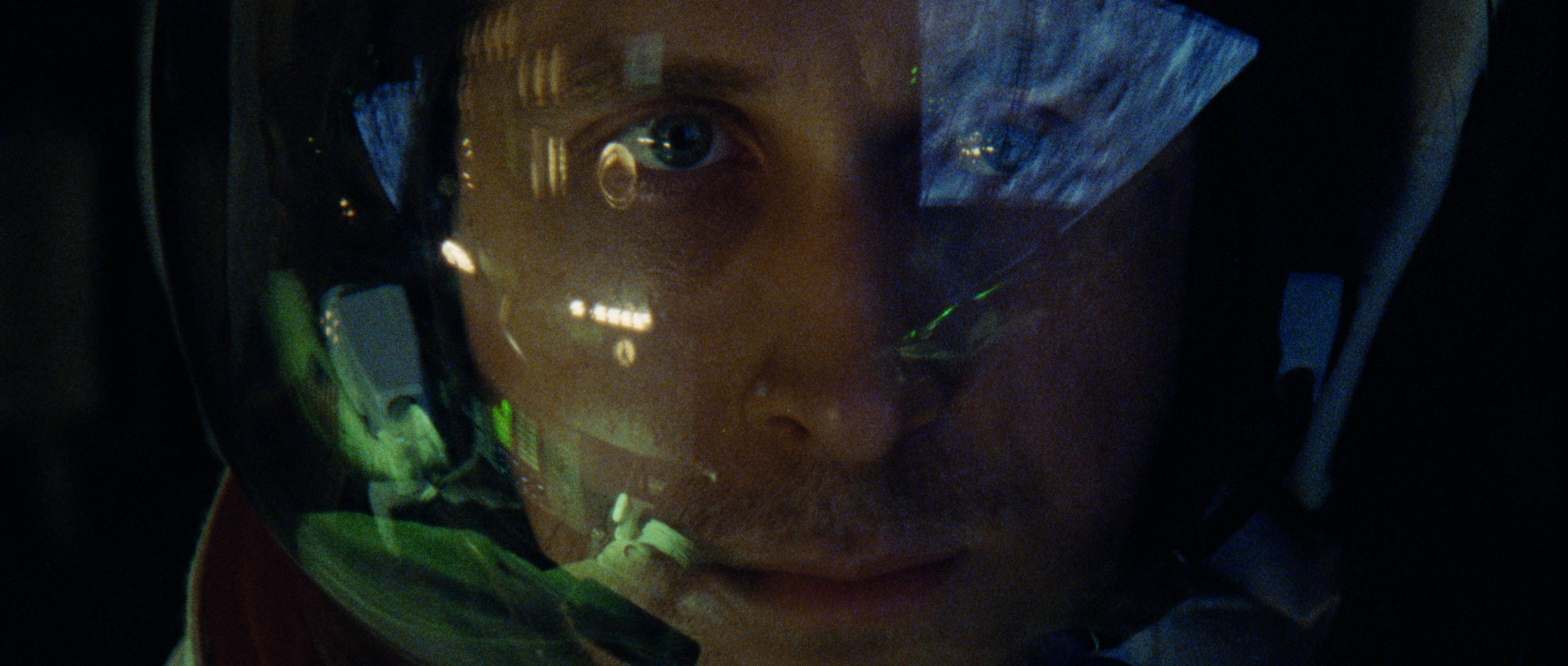 je_firstman_gosling.jpg